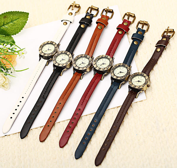 WoMaGe Quartz Watch 12 Roman Numbers Indicate Leather Watch Band for Women - Dark Brown