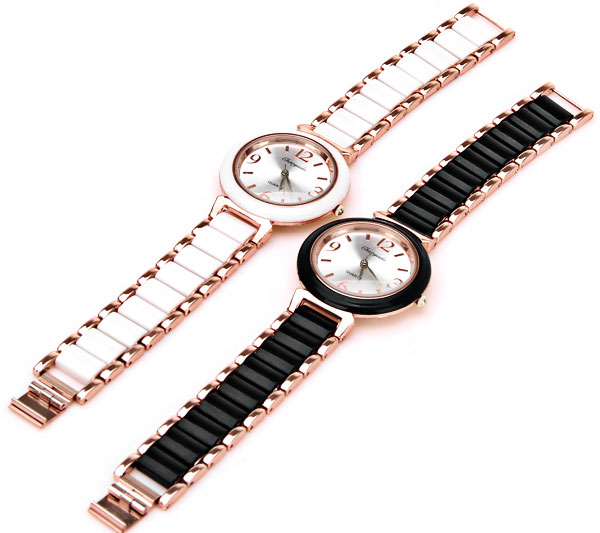 Female Quartz Watch 4 Arabic Numbers and Strips Indicate Plastic and Steel Watch Band - Black