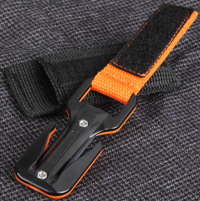 EZDIVE KF-SZ Scuba Diving Knife Two Sides Line Cutter with 2Pcs Replacement Blades
