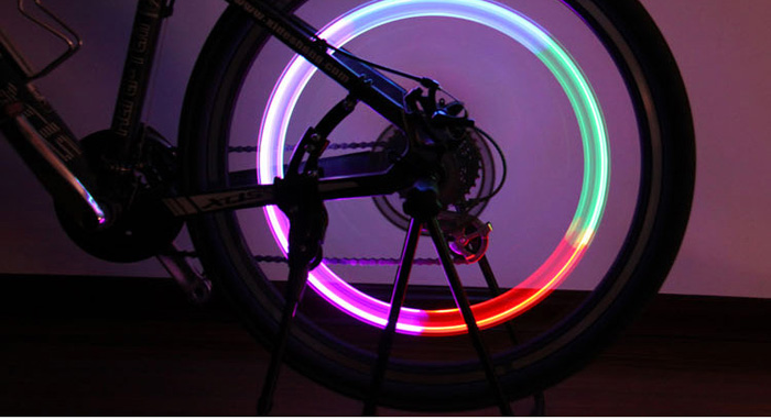 AG10 Button Battery Powered Bicycle Colorful Gas Nozzle / Valve Cap Light
