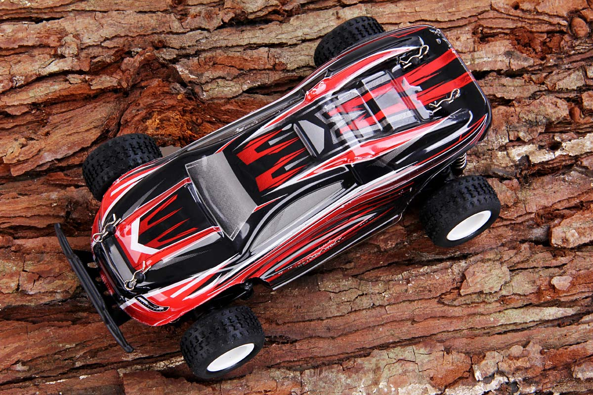 Wltoys P939 1/28 2.4G 4WD Electric RC Car 30KMH RTR Version High Speed Racing