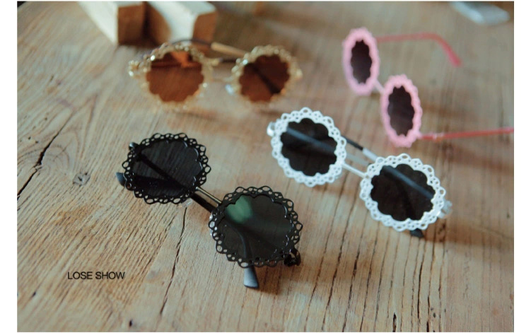 LOSE SHOW Fashion Women Anti-UV Lens Sunglasses Hollow Out Metal Lacework Frame Goggles