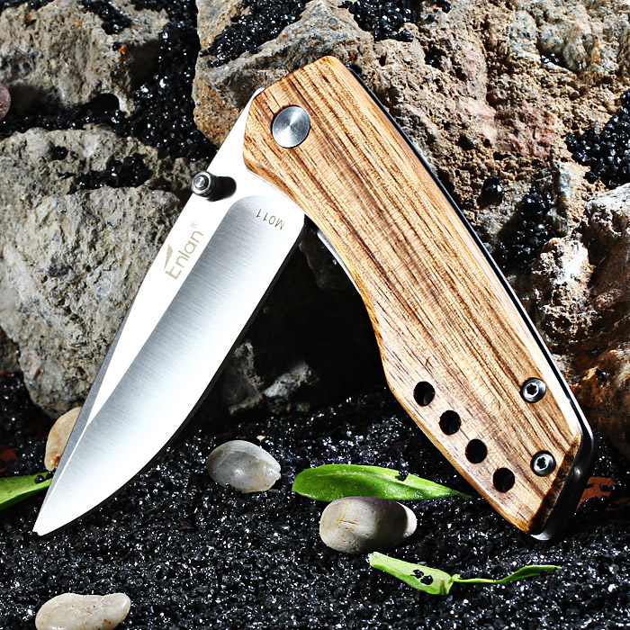 Enlan M011 Liner Lock Folding Knife with 8Cr13Mov Steel Blade for Outdoor Camping / Climbing