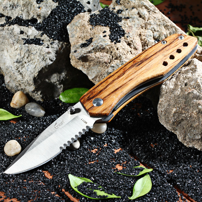 Enlan M011B Liner Lock Folding Knife with 8Cr13Mov Steel Blade for Outdoor Camping / Climbing