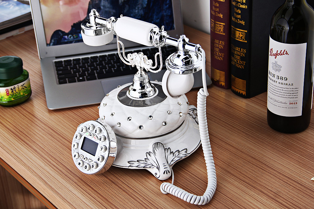 LD Maria Vintage Ceramics Push Button Phone Bluetooth Dialer Home Decoration