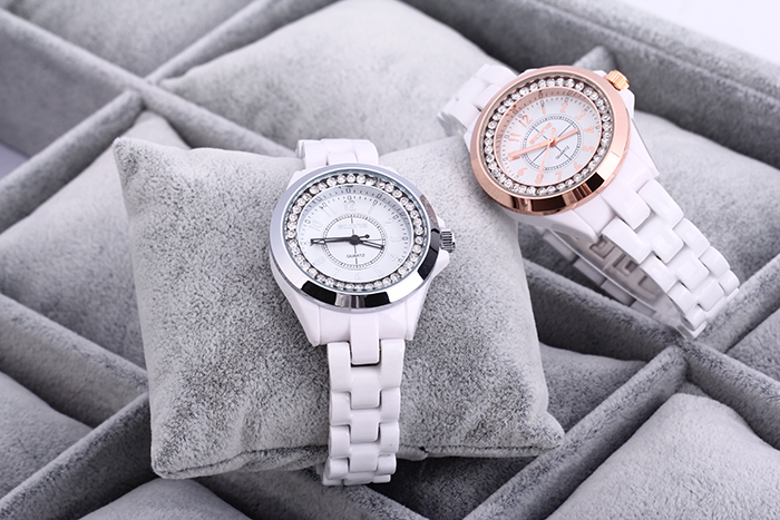 SKONE 7243 Ceramic Rhinestone Embedded Quartz Women Watch with Bracelet Clasp