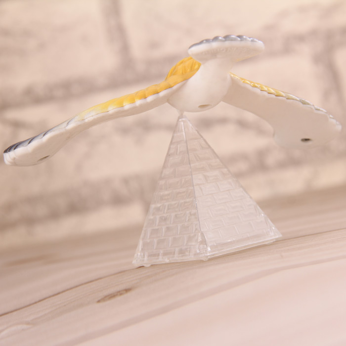 Magic Balancing Eagle Model Decoration for Home Office
