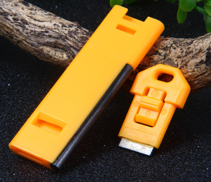 Multi-purpose Survival Flat Whistle with Flint Fire Starter