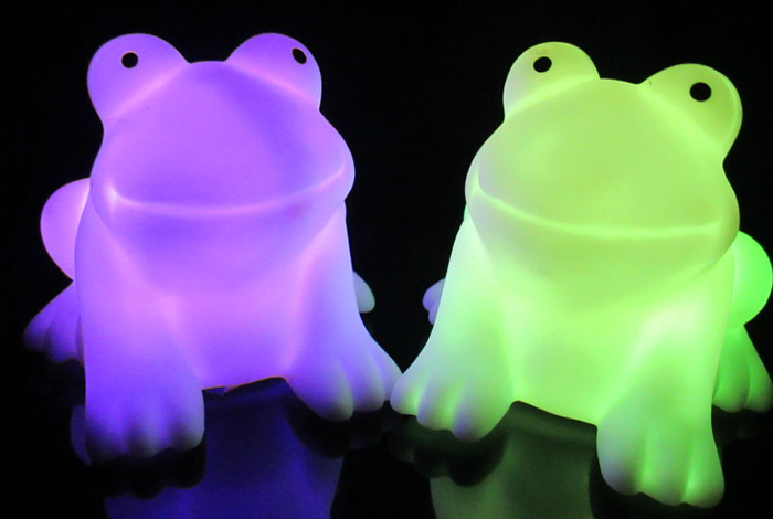 Magic LED Frog Night Light PVC Novelty Lamp Changing Color Toy