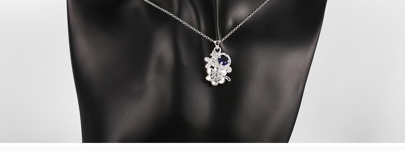 N125 - A 925 Silver Plated Pendant Necklace Jewelry for Women