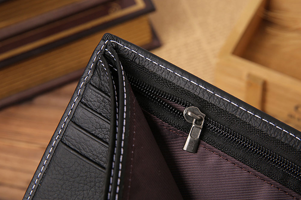 Man Letter Embellishment Solid Color Lichee Pattern Hasp Horizontal Wallet