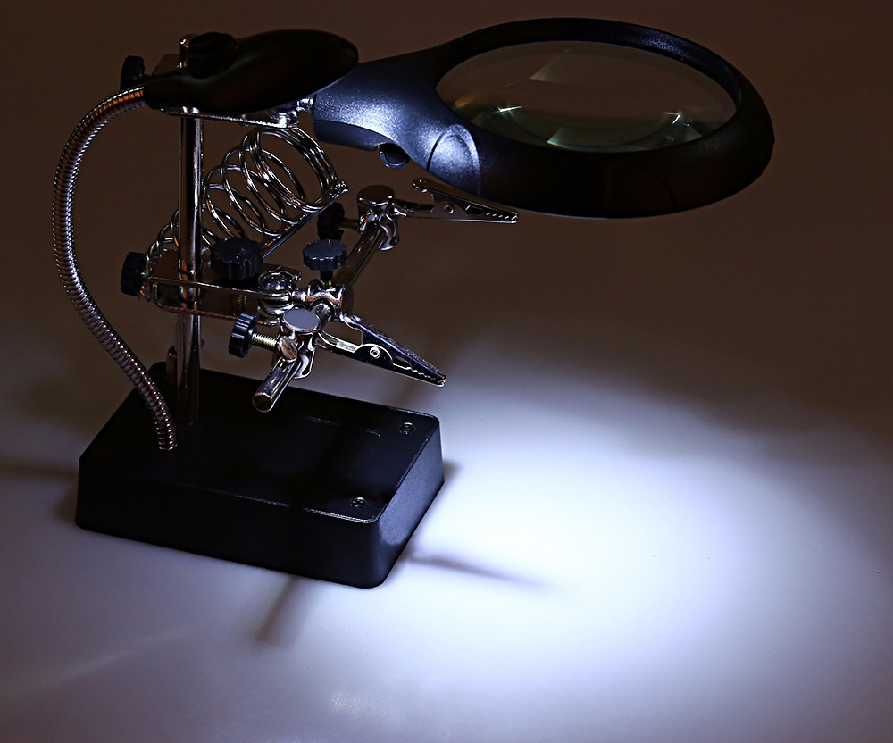Helping Hand Magnifier Station with 5 LED 2 Exchangeable Lens