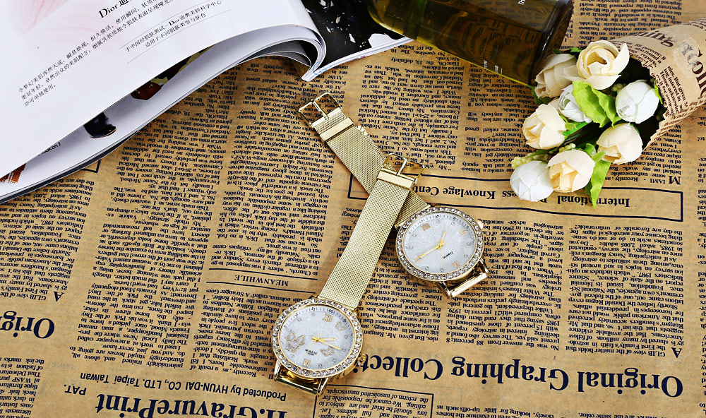 Women Fashion Quartz Watch Luminous Pointer Artificial Diamonds Dial Stainless Steel Net Band Wristwatch