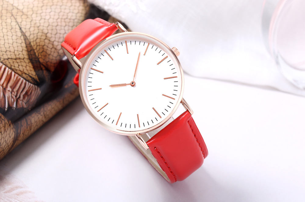 WEESKY 699 Unisex Quartz Watch Nail Shape Scale Leather Band Wristwatch