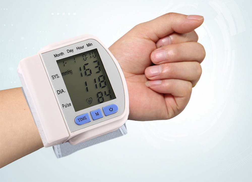 CHANGKUN Automatic Digital Storage Memory Instant Read Heart Rate Wrist Blood Pressure Monitor