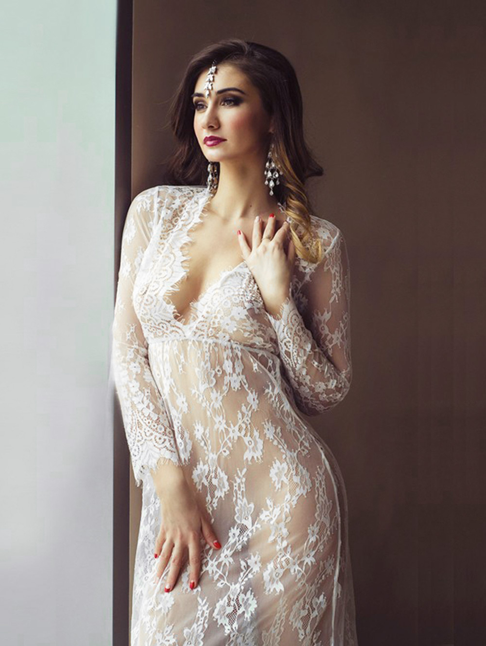 Sexy Plunging Neck Lace See-through Slim Women Dress