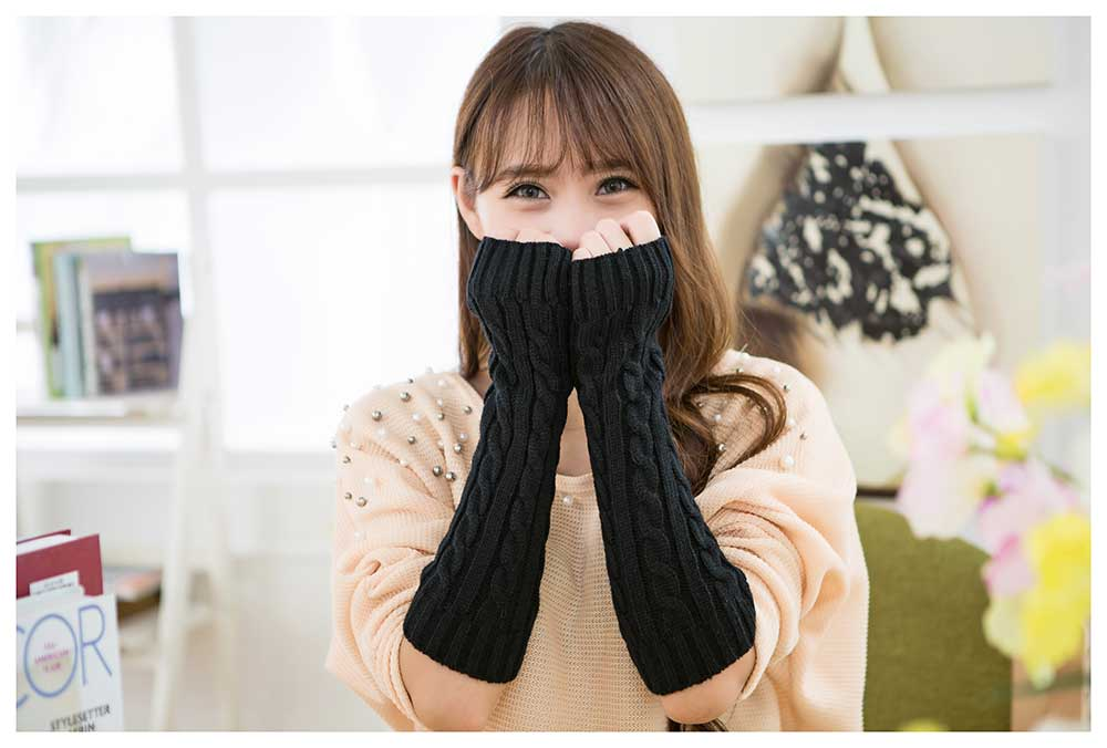 Casual Solid Color Spiral Pattern Warm Open Finger Knitted Gloves for Women
