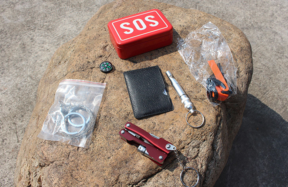 Aotu AT9016 Outdoor Emergency Multifunctional Combination Tools Kit