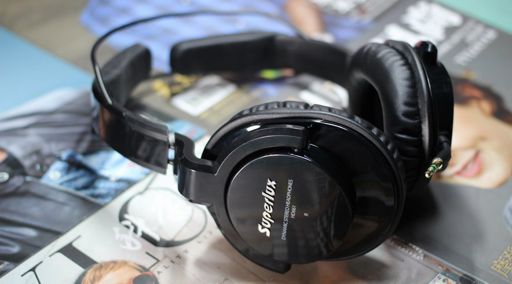 Superlux HD-661 Monitoring Headphones Closed-back Dynamic Noise Canceling Adjustable Headband