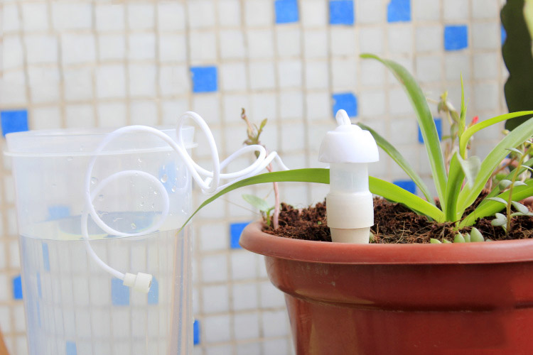 2PCS Practical Automatic Drip Watering Controller House Garden Irrigation Tool