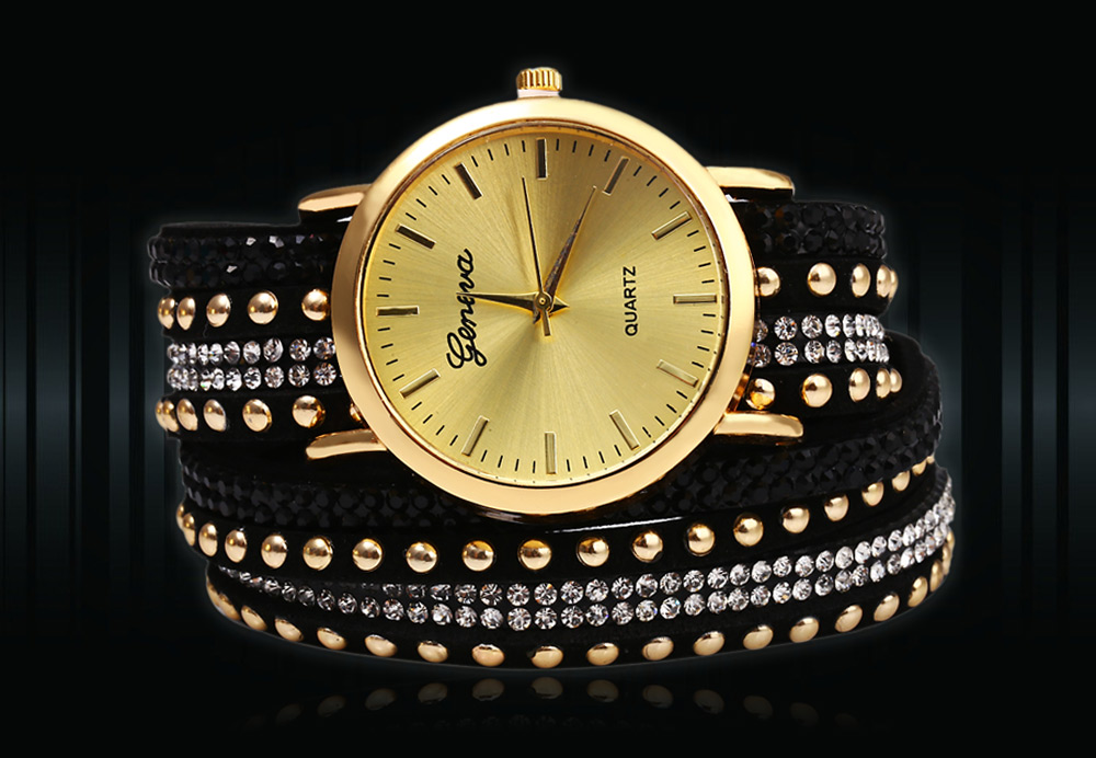 Casual Ladies Long Rivet Leather Strap Watch Quartz Wristwatches for Women
