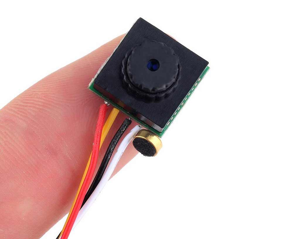 600TVL 1 / 4 1.8mm CMOS FPV 170 Degree Wide Angle Lens Camera PAL / NTSC 3.7 - 5V