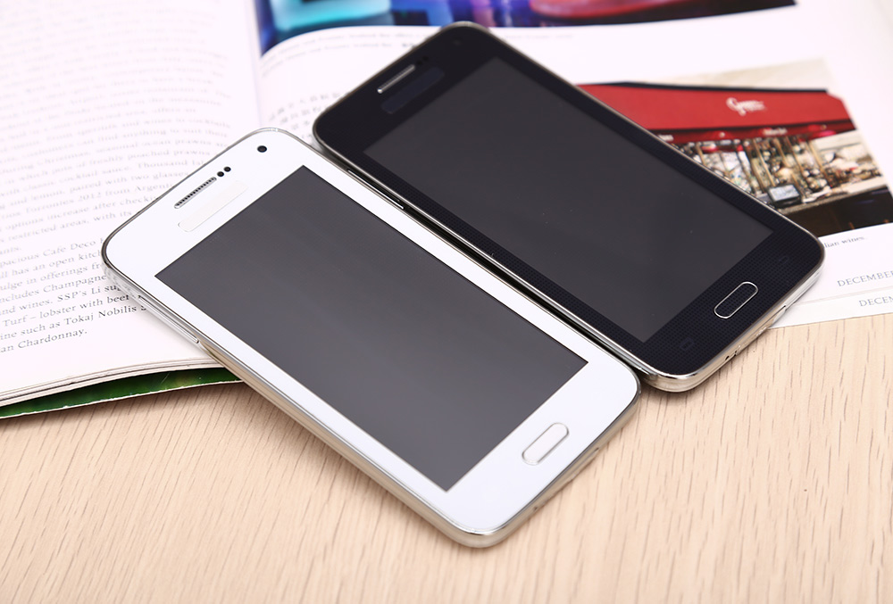 4.7 inch G900W Unlocked Phone Spreadtrum 6531D 64MB RAM 128MB ROM Touch Screen WiFi MP3 Buletooth