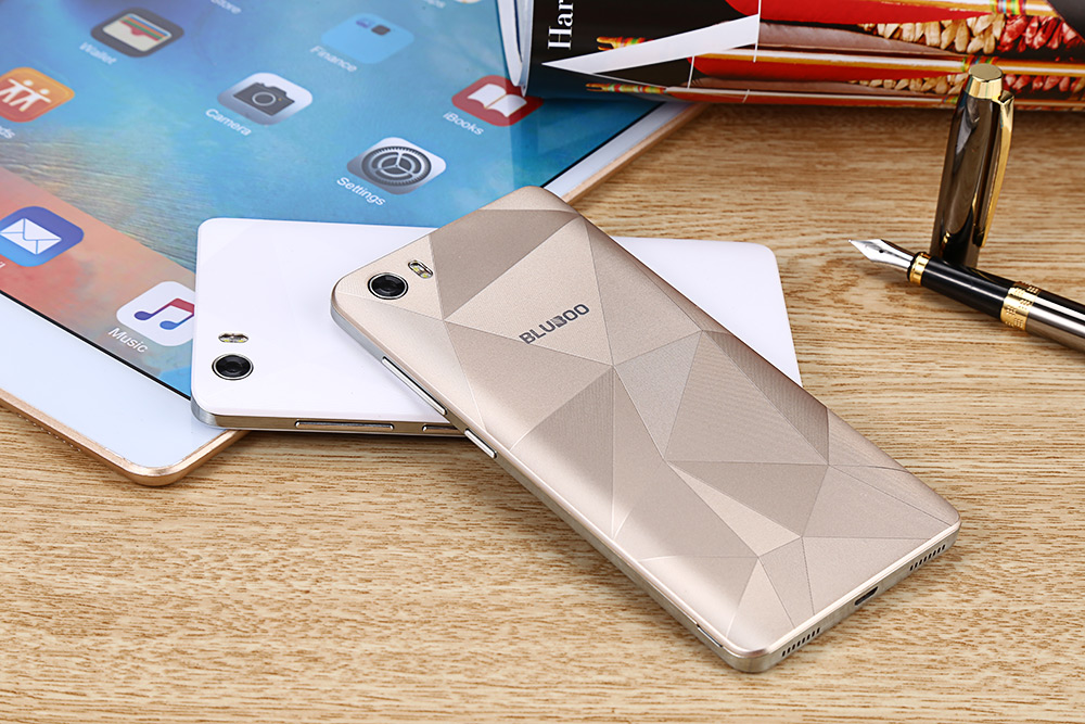 Bluboo Picasso 5.0 inch 3G Smartphone Android 5.1 MTK6580 Quad Core 1.3GHz 2GB RAM 16GB ROM 8.0MP Front Camera Bluetooth 4.0