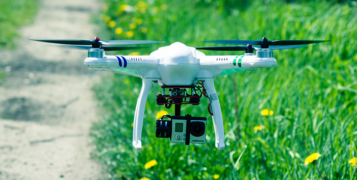 FreeX MCFX - 05 5.8G Real-time Transmission HD 1080P 2.4G 7 Channel 6 Axis Gyro Quadcopter Ready-to-fly