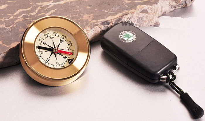 AOTU AT7593 Outdoor Delicate Brass Compass for Travel
