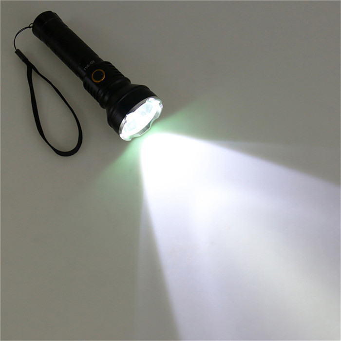 CREE XM - L2 T6 1000LM 18650 Rechargeable LED Flashlight