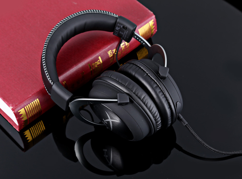 Kingston HYPERX Cloud II KHX - HSCP - RD Professional 7.1 Surround Sound Gaming Headsets Closed Ear Cups Noise Canceling with Mic
