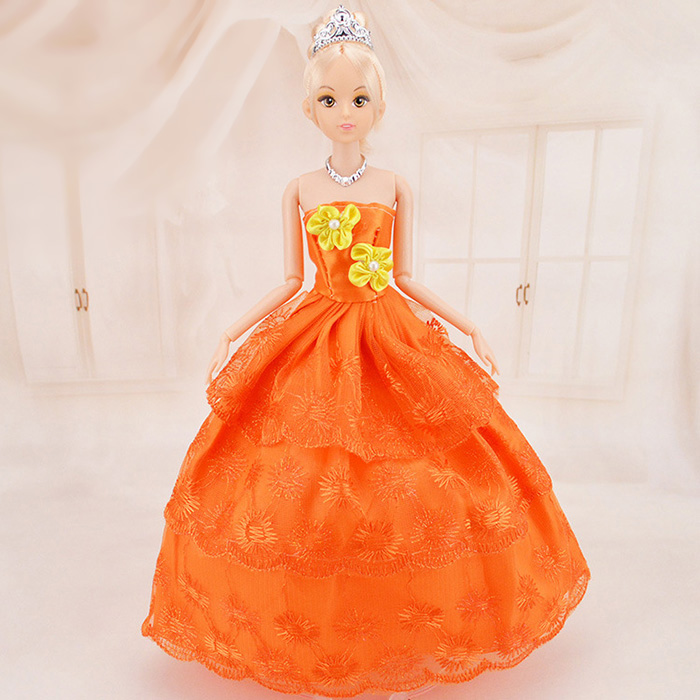 11.4 inch Cartoon Figure Shape Doll with Rotatable Joint Wedding Design Suite Girl Toy