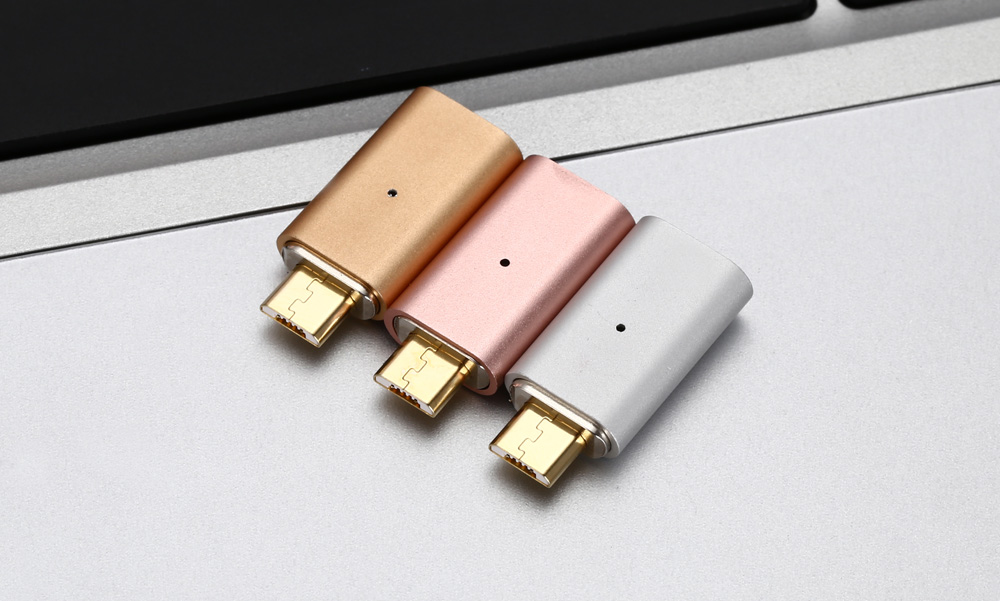 Magnetic V8 USB Data Transfer and Charging Adapter
