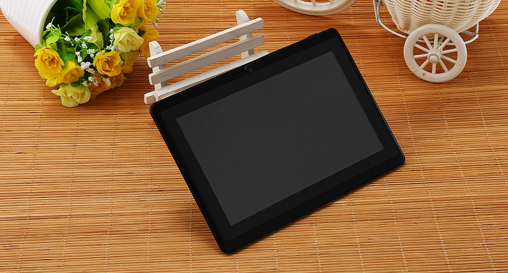 M701 7.0 inch Android 4.4 Kid Tablet A33 Quad Core 1.3GHz 512MB RAM 8GB ROM WiFi Flashlight