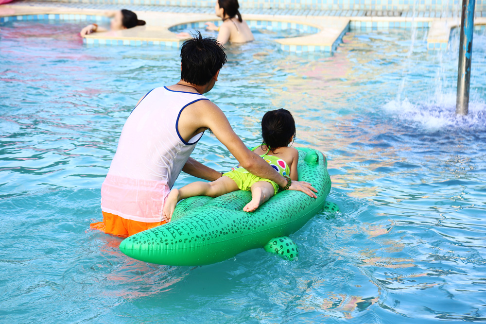 Inflatable Swimming Boat PVC Crocodile Rider Water Toys Float