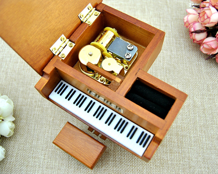 Wooden Music Box Piano Shape Handcraft Educational Toy for Child