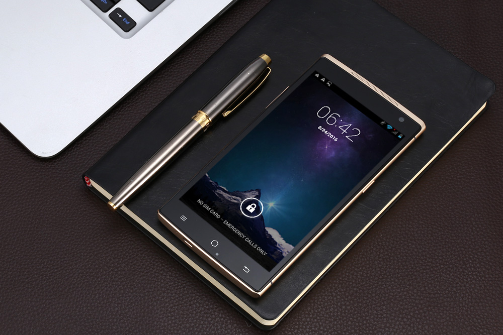 Takee 1 Holographic Android 4.2 5.5 inch 3G Phablet MTK6592 2.0GHz Octa Core 2GB RAM 32GB ROM FHD IPS Screen 13.0MP Rear Camera