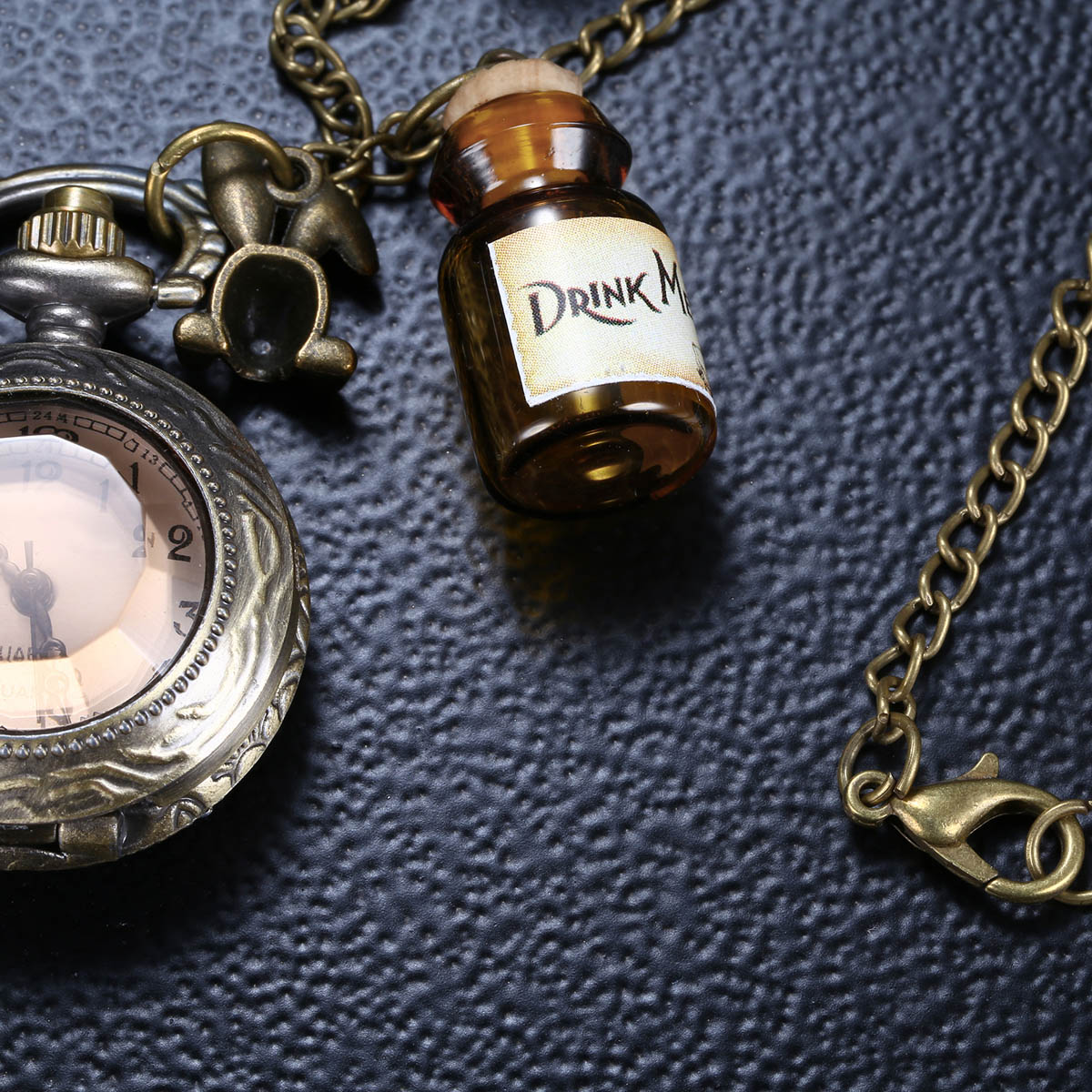 Mini Retro Pocket Watch with Stereo Crystal Mirror Cover