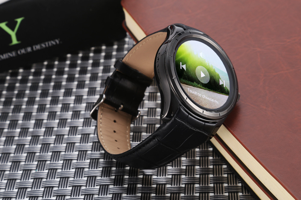 Finow Q3 1.39 inch Android 4.4 3G Smartwatch Phone MTK6572 Dual Core 1.3GHz 512MB RAM 4GB ROM Heart Rate Measurement GPS Bluetooth 4.0