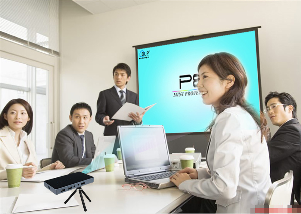 P8 Smart DLP Projector 80 Lumens 854 x 480 Pixels Android 4.4 System Bluetooth 4.0 2.4G + 5.8G Dual Band WiFi