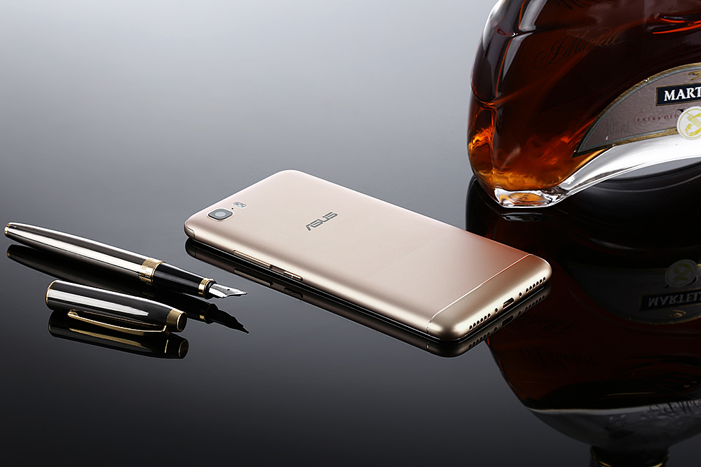 ASUS Pegasus 3S 4G Smartphone 5.2 inch Android 7.0 MTK6750 Octa Core 1.5GHz 3GB RAM 32GB ROM 8.0MP + 13.0MP Cameras Fingerprint Scanner